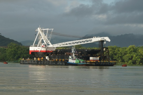 400-Ton Barge Crane – Seattle and Sante Fe Springs (Los Angeles)